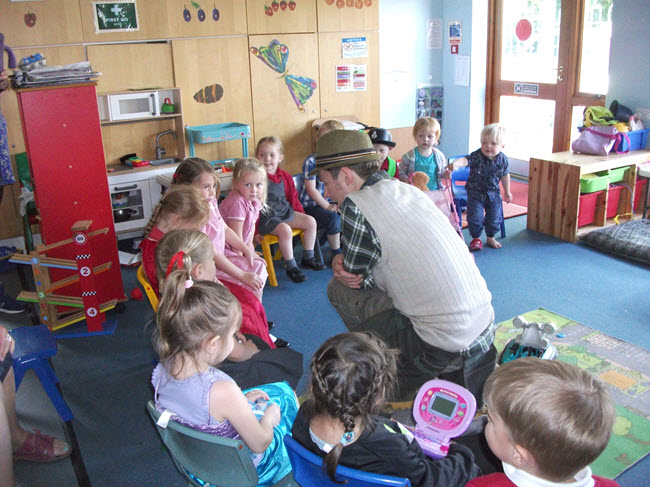 Mr Bloom talking with children at Went Valley